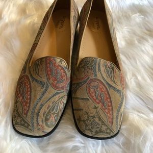 Easy Spirit women's tapestry shoes loafers Sz 7.5